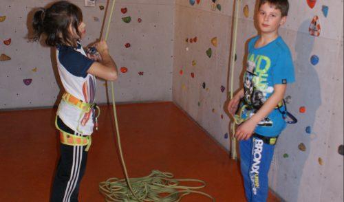 Artikelbild zu Artikel Neuer Grundkurs Klettern für Kinder 8-12 Jahre in den Weihnachtsferien